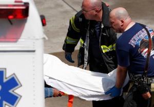 В США спортивный самолет упал на трибуну: пострадало 75 человек
