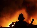 В МЧС сообщили о подробностях масштабного пожара на Борщаговке сегодня ночью