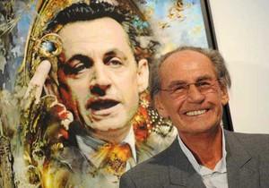 Отец Саркози открыл выставку своей цифровой живописи в Москве