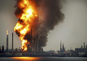 В Сингапуре на крупнейшем НПЗ Shell произошел взрыв
