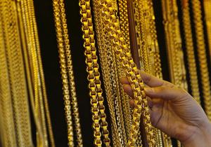 Продавщица киевского торгового центра украла почти два килограмма украшений