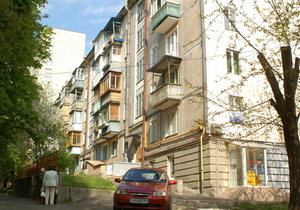 В Киеве продали 1808 квартир