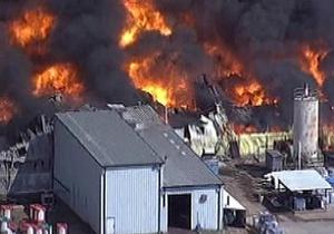 В Техасе загорелся химзавод