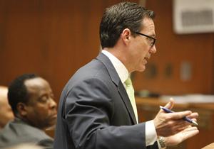 Адвокат личного врача Джексона обвинил следователя в ошибках при сборе улик