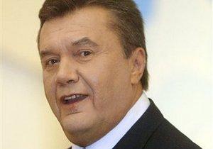 Янукович поздравил юристов с профессиональным праздником