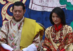 Самый молодой монарх в мире женился