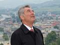 73-летний президент Австрии совершил прыжок с парашютом