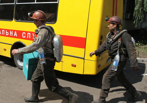 При обрушении породы на шахте в Луганской области погибли два горняка