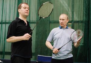Медведев призвал россиян играть в бадминтон