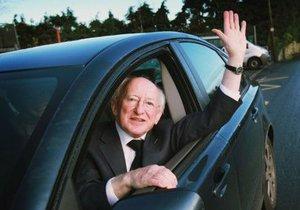 В Ирландии на президентских выборах победил семидесятилетний поэт