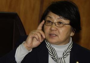 Сын Отунбаевой не смог проголосовать на выборах президента