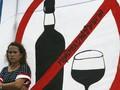 В Индии жертвами массового отравления поддельным алкоголем стали более ста человек