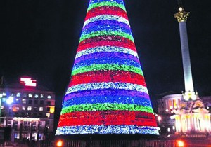 В понедельник загорится праздничная елка