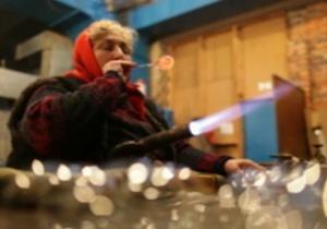 На работу, как на праздник. Видеорепортаж о фабрике елочных игрушек под Киевом