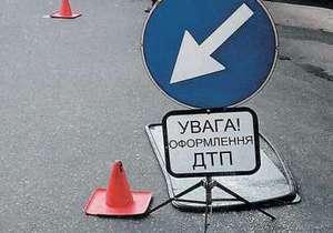 В Ровном в перекинутом автомобиле скорой помощи пострадали четыре человека