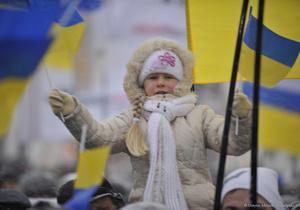 Опрос: Более трети украинцев ждут в новом году перемен к лучшему