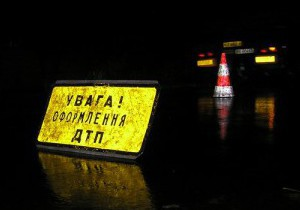 В Житомирской области столкнулись легковой автомобиль и микроавтобус: погибли двое человек