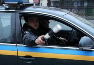 Во Львовской области водитель Audi пытался столкнуть с трассы автомобиль ГАИ