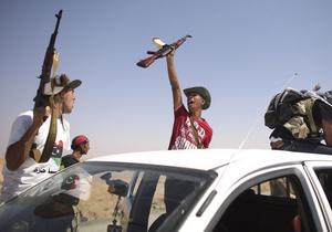 Четыре ливийца погибли в столкновениях со сторонниками Каддафи