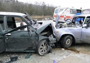 В Крыму в ДТП погибла женщина и семь человек получили травмы