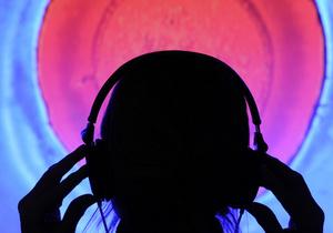 Ученые создали медицинский датчик с питанием от рэп-музыки