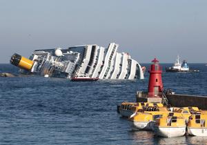 Из-за опасности для спасателей на Costa Concordia прекращена поисковая операция