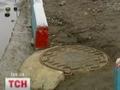 В Киеве супруги упали в люк с кипятком, женщина скончалась