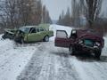 На Закарпатье в результате лобового столкновения легковых автомобилей погибли два человека