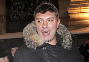 Блогер обвинил Немцова в избиении. Политика допросили в Домодедово