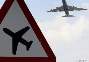 В амстердамском аэропорту из-за мужчины, заявивившего о бомбе, задержаны более 30 рейсов