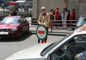 Кабмин отложил установку паркоматов до апреля