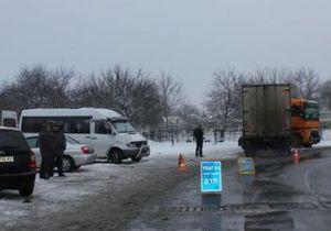 В Запорожье фура врезалась в маршрутку: одна пассажирка погибла, еще четверо травмированы