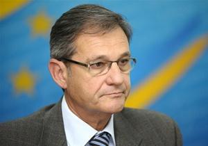 Ъ: Тейшейра, оказавшийся в центре скандала между Украиной и ЕС, покинет Киев летом