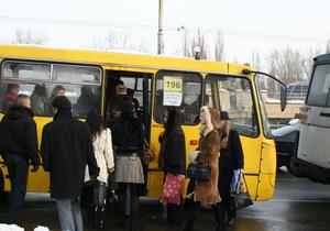 Янукович одобрил повышение штрафов за непредоставление дороги маршруткам