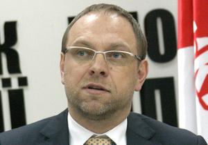 Власенко напомнил Пшонке об обещании обеспечить лечение Тимошенко за пределами колонии