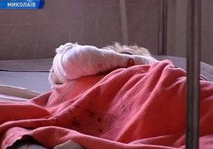 Врачи сообщают, что состояние жестоко избитой в Николаеве девушки остается крайне тяжелым