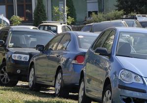 В Киеве неизвестные повредили 30 машин