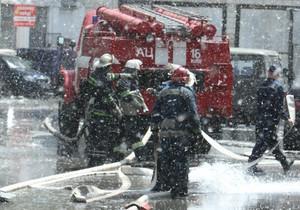 Почти целое воскресенье пожарные спасали вещи секонд-хенд
