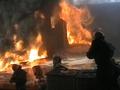 Под Днепропетровском почти сутки горит крупная свалка
