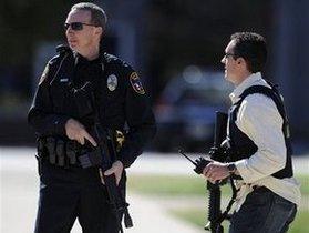 В США неизвестный устроил стрельбу в баре: ранены 16 человек