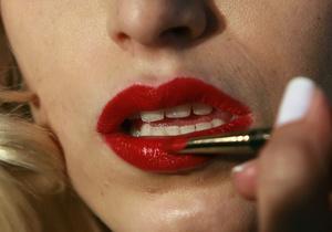 Британские ученые выяснили, сколько времени женщины тратят на макияж