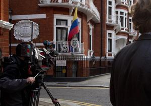 Справа Ассанжа: Лондон має намір зняти дипломатичний статус з посольства Еквадору