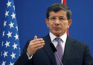 Турция призывает ООН создать в Сирии лагеря для беженцев