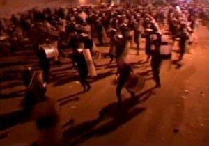Египтяне вновь попытались штурмовать посольство США в Каире