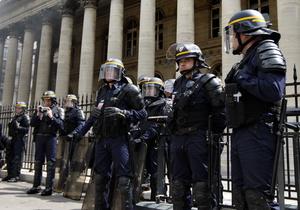 Марсельские полицейские оказались наркоторговцами и вымогателями