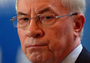 Азаров считает, что импичмент Януковичу обернется для страны катастрофой