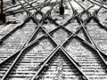 В Ровенской области мужчина уснул на рельсах и чуть не погиб под колесами поезда