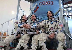 С Байконура стартовал Союз с тремя космонавтами