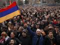 Reuters: тысячи вышли на улицы Еревана, протестуя против инаугурации