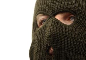 Новости Украины - Происшествия в Украине - новости Луганской области - ограбление - В Луганской области двое мужчин с топором и пистолетом ограбили АЗС